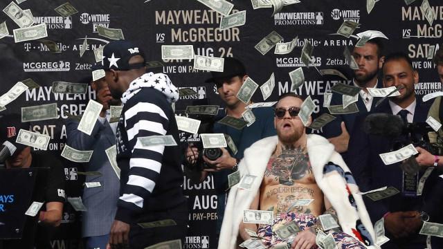 """Mayweather promete arrumar McGregor e encher os bolsos """"em 36 minutos"""""""