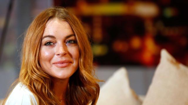 A desfrutar de uns dias de descanso, Lindsay Lohan exibe boa forma