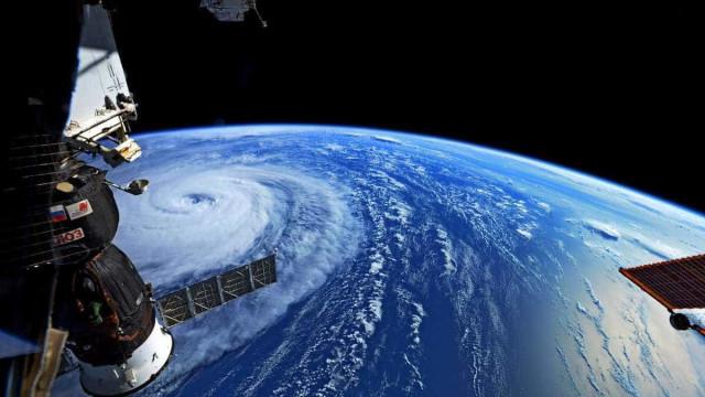 NASA partilha imagens impressionantes da tempestade Noru