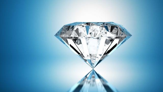 Diamante de pureza rara levado a leilão pela empresa russa Alrosa
