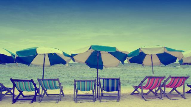O que fazer para evitar ser assaltado na praia