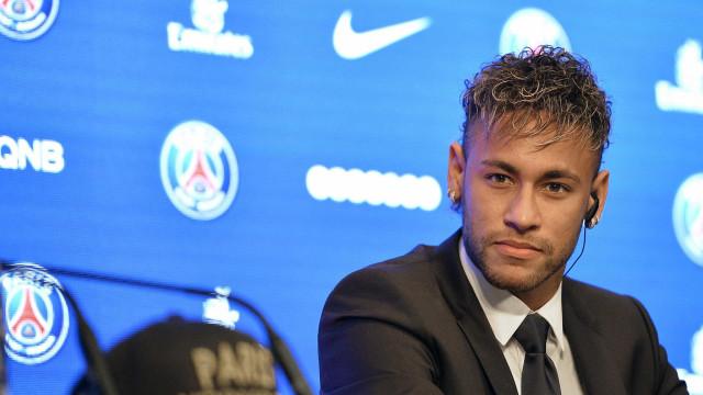 Neymar impedido de jogar no sábado pelo PSG