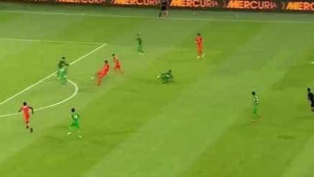 China: Graziano Pellè marca golo capaz de levantar qualquer estádio