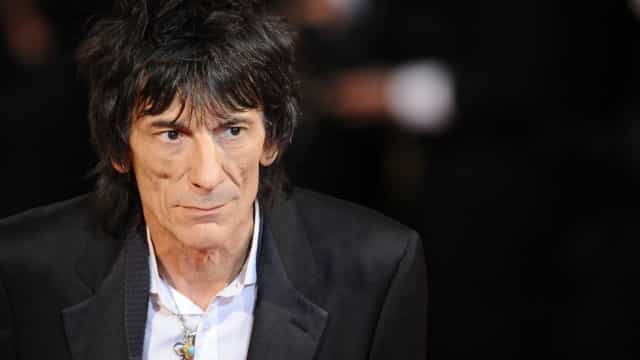 Ronnie Wood, dos Rolling Stones, lutou contra um cancro no pulmão