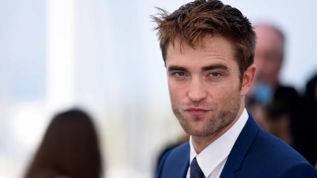 Robert Pattinson desmente história de cena de sexo com cães