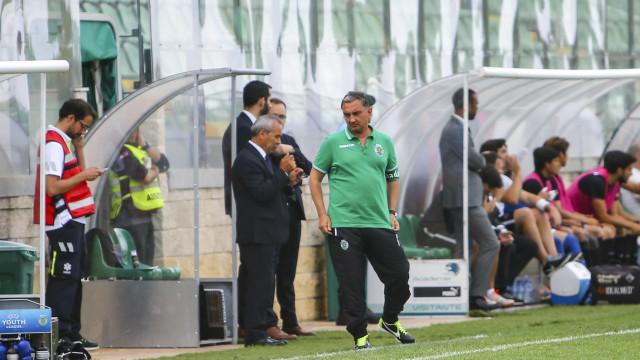 II Liga arranca com 'cambalhota' do Sporting B nos minutos finais