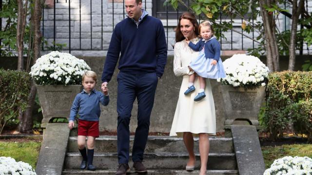 William, Kate, George e Charlotte: Eis a foto de Natal em família