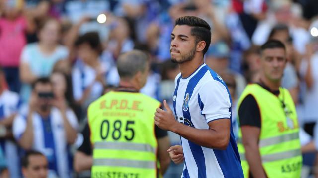 FC Porto: Insatisfeito no Fulham, Rafa Soares pode estar de saída