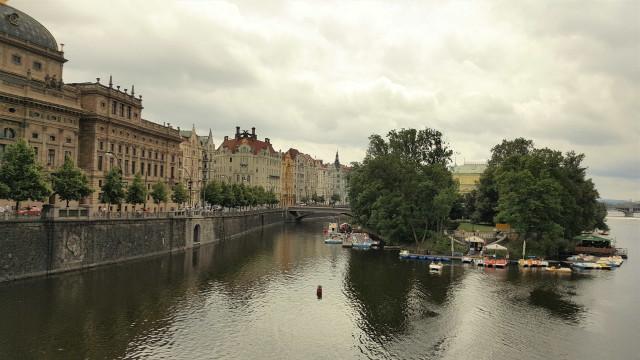 Praga, antiga joia do comunismo cuja arquitetura é de cortar a respiração