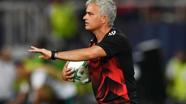 Mourinho critica atitude do árbitro após Ronaldo entrar em campo