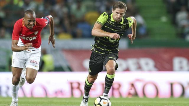 'Caso Adrien': Leicester ainda não recorreu da decisão da FIFA
