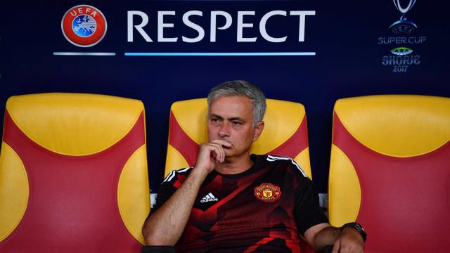 Mourinho explica por que razão ofereceu a medalha da Supertaça Europeia