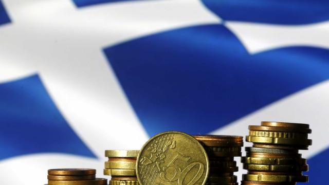 Grécia coloca 1.137 milhões em dívida a três meses e paga juro mais baixo