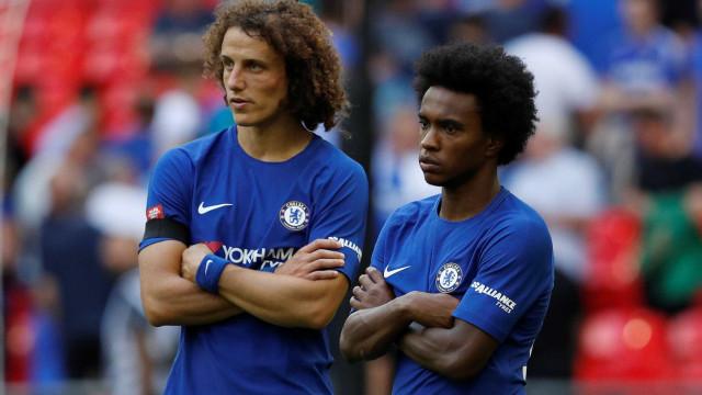 Willian falha regresso aos treinos e Chelsea duvida da justificação