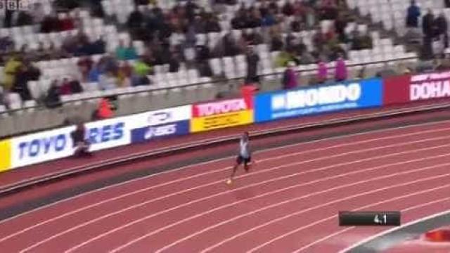 Insólito nos Mundiais: Correu sozinho e está na final dos 200 metros