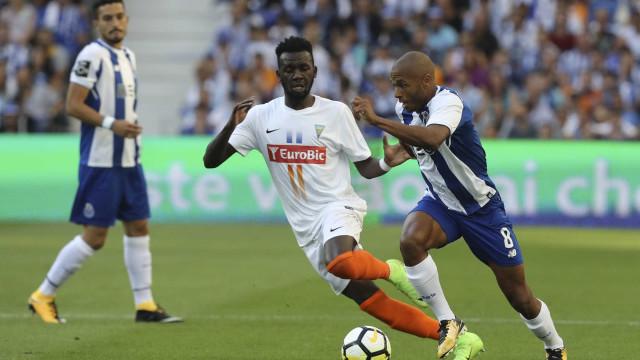 [1-0] FC Porto-Estoril: Dragões vencem ao intervalo
