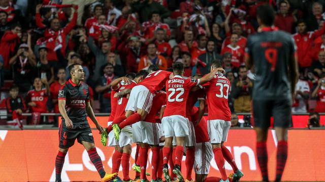 Benfica inicia defesa do título com triunfo no primeiro jogo-cartaz
