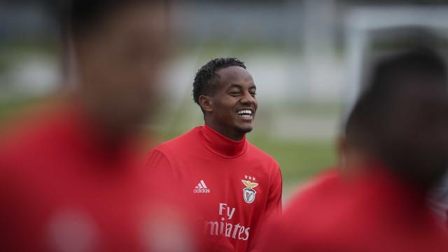 Carrillo termina com os rumores e garante que quer voltar ao Benfica