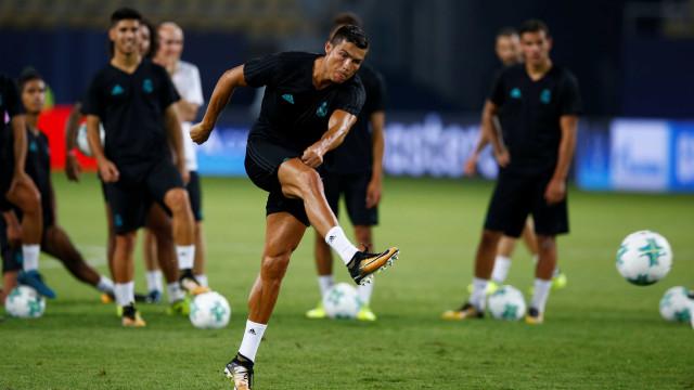 Cristiano Ronaldo corre para recuperar titularidade em Camp Nou