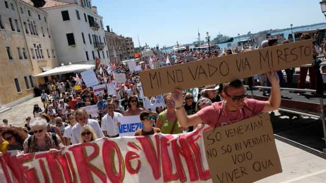 Manifestações anti-turismo espalham-se por várias cidades europeias