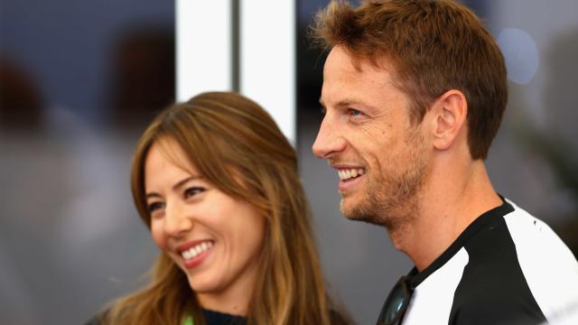 Um ano após o divórcio, ex-mulher de Jenson Button vai ser mãe