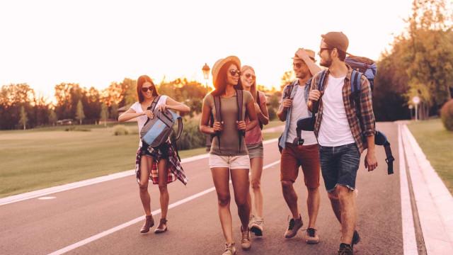 Vai de férias em grupo? Eis sete regras de ouro que deve seguir