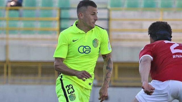 Mato Milos em Lisboa para assinar pelo Benfica