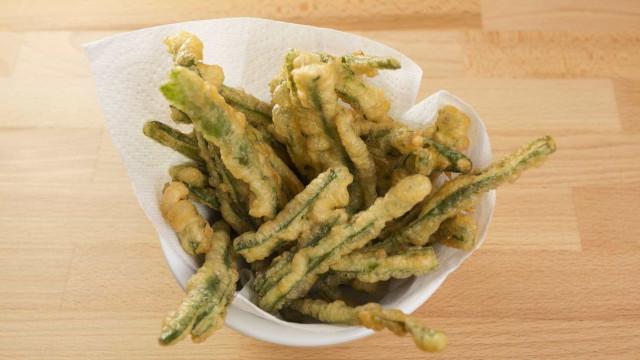 """BBC provou peixinhos da horta e revela """"verdade sobre a tempura japonesa"""""""