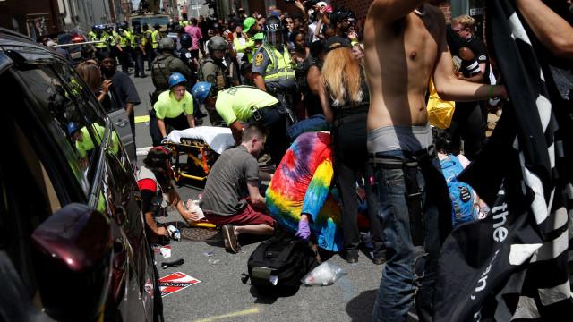 """O terror testemunhado em Charlottesville: """"É uma horrível tragédia"""""""