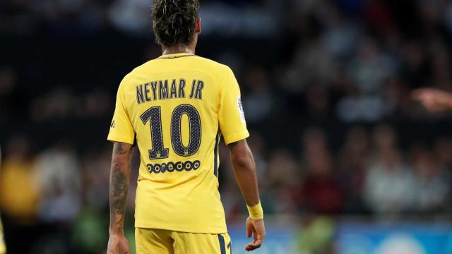 """""""Saída de Neymar? Vejo isso como um jogo mediático e não uma realidade"""""""
