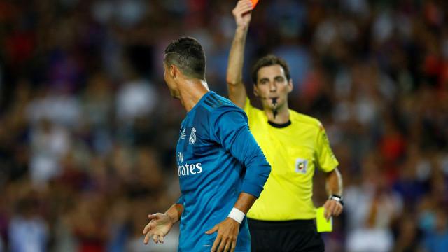 Ex-árbitro defende que Ronaldo deveria ser suspenso por 12 jogos