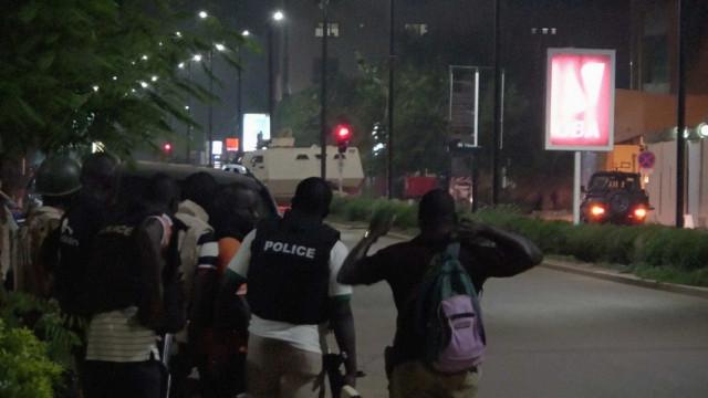 Responsáveis por ataque em restaurante abatidos pela polícia