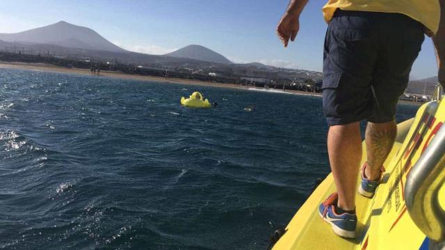 Canárias: Menina resgatada a 300 metros da praia agarrada a insuflável