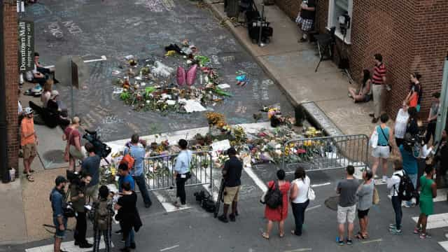 Charlottesville: Júri pede prisão perpétua para neonazi que matou mulher