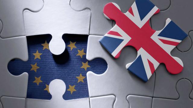 """Reino Unido quer estabelecer uma """"união aduaneira temporária"""" com a UE"""