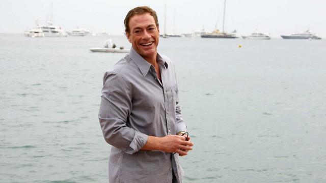 Jean-Claude Van Damme exibe boa forma aos 56 anos