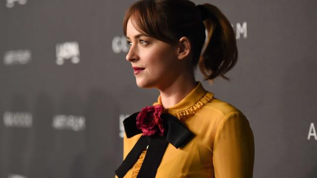 Dakota Johnson quebra silêncio sobre rumores de gravidez