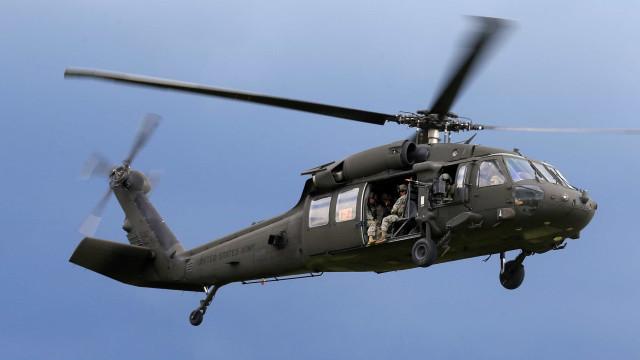 Helicóptero do Exército norte-americano despenha-se no Hawai