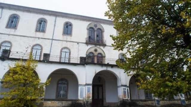 Assim ficou o histórico Colégio de São Fiel após ser fustigado pelo fogo