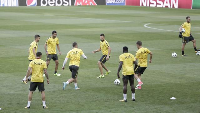 """""""Se o Steaua passar o playoff venho de saia..."""""""