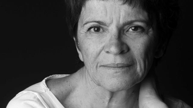 """Luísa Ortigoso chora morte do pai: """"Ele era o meu norte e o meu sul"""""""
