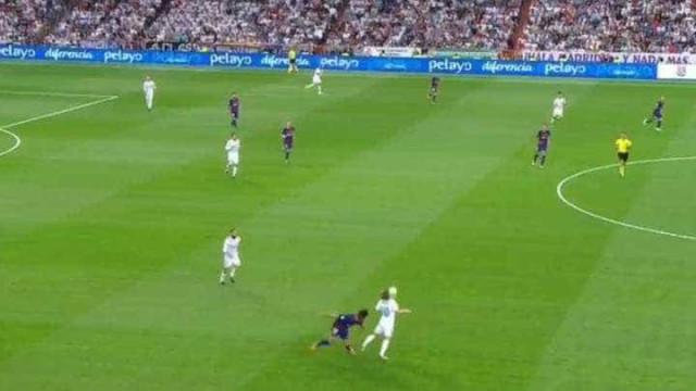 André Gomes ainda deve estar baralhado depois desta maldade de Modric