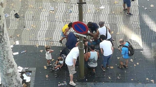 """""""Não há ninguém barricado num bar"""", garante polícia catalã"""