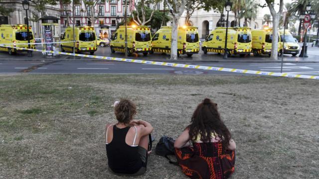 O terror em Barcelona espelhado nas capas dos jornais