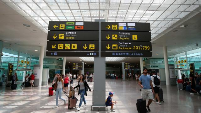 Aeroporto com zonas reservadas para assistir familiares de vítimas
