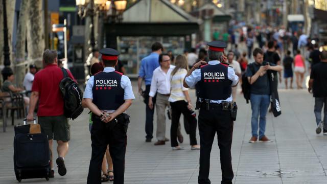 Barcelona: Novas imagens mostram por onde condutor fugiu