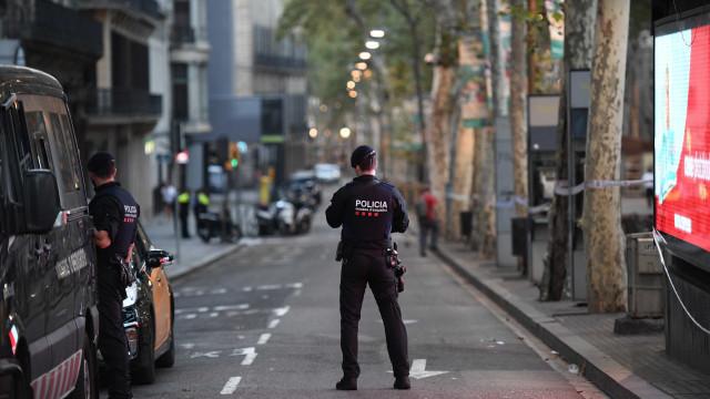 Há indícios de que autor do ataque pode ser um dos terroristas abatidos