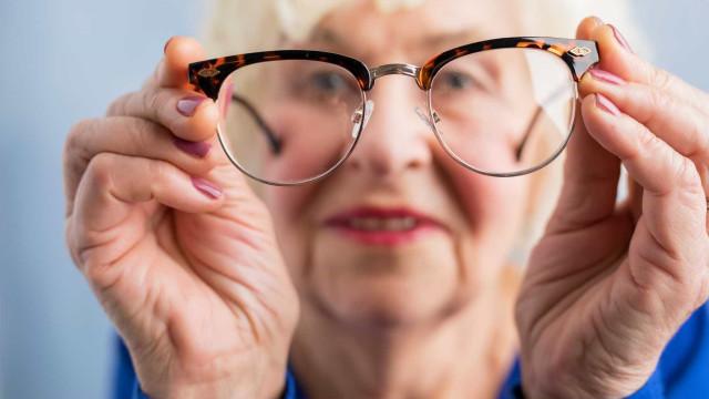 Estudo revela ligação entre a perda de visão e o risco de demência