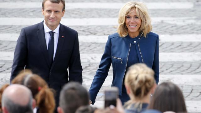 """Brigitte Macron: """"O único defeito do Emmanuel é ser mais novo que eu"""""""