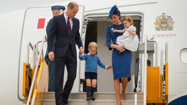 William não deveria viajar no mesmo avião que os filhos. Sabe porquê?